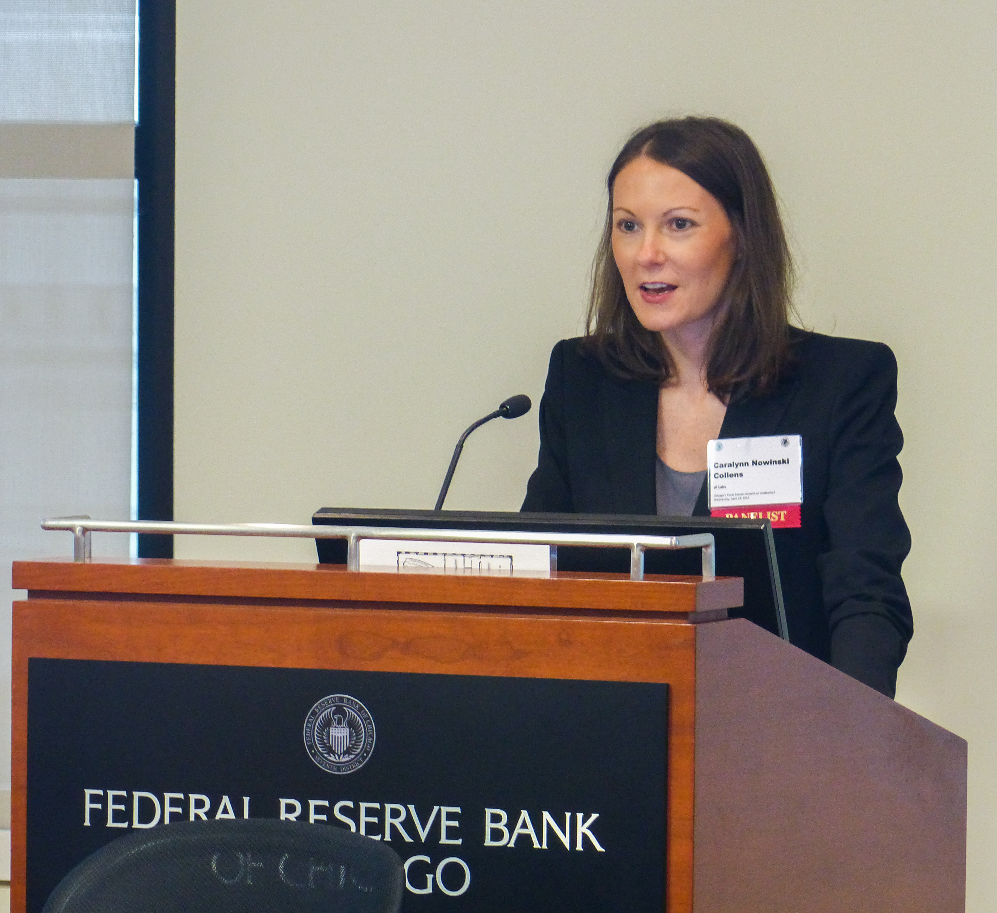 Caralynn Nowinski Collens, Federal Reserve Bank of Chicago, Civic Federation
